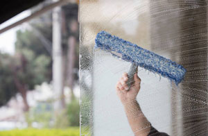 Window Cleaner Wigston Leicestershire (LE18)